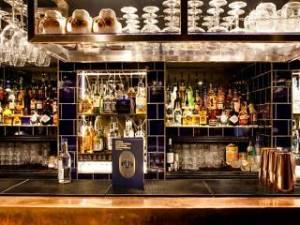 escapologist bar